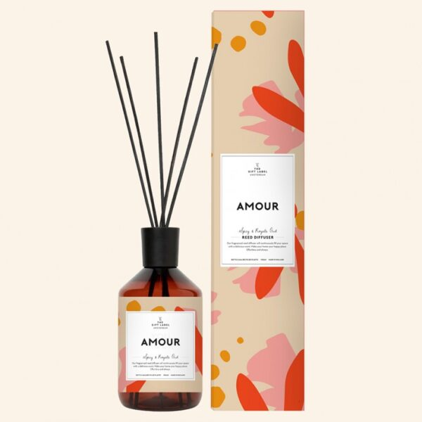 amour-reed-diffuser-the-gift-label